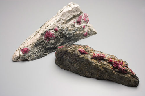 What is corundum and what are its basic qualities?